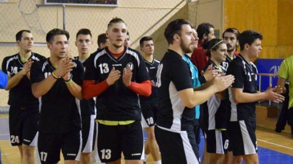 Handbaliștii continuă pregătirea cu meciuri amicale