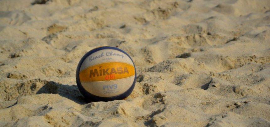4 voleibaliste la Turneul de Beach Volley de la Bibione