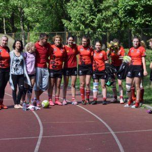 Două rugbyste universitare participă la o întrecere continentală