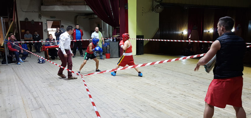"Șapte universitari boxează la Cupa ""Alexandru Jur"""