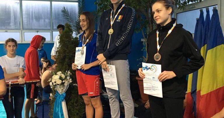 15 medalii pentru Ana Dascăl la naționalele în bazin scurt
