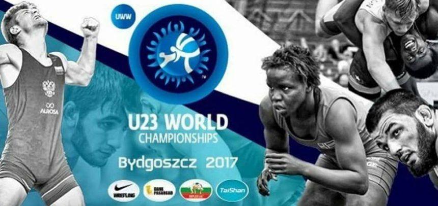 Roman Dușcov luptă la Campionatul Mondial de Seniori