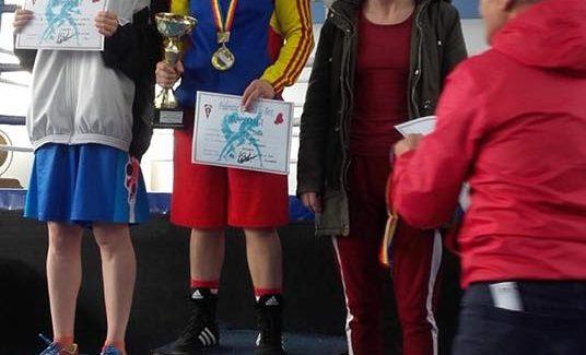 Două medalii de argint la Cupa României de Box Feminin