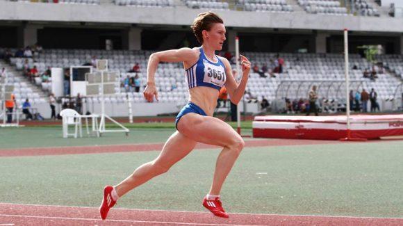 Sanda Belgyan s-a calificat cu ştafeta în finala CE