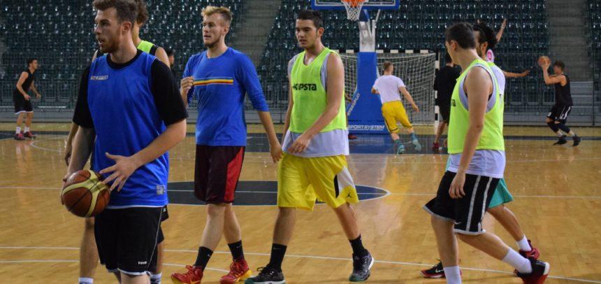 Formația de baschet masculin începe meciurile oficiale