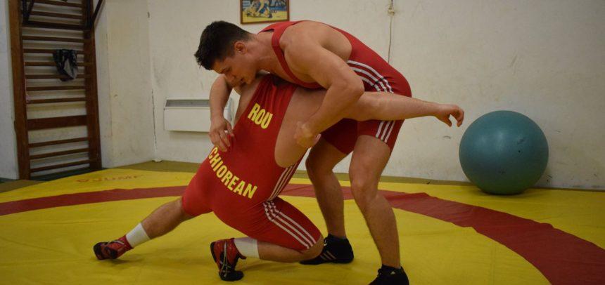 Luptătorii merg la Reșița după medalii
