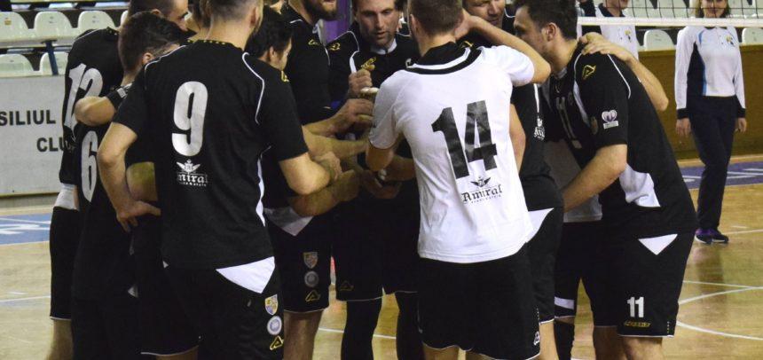 Voleibaliștii au început pregătirea cu o serie de meciuri amicale