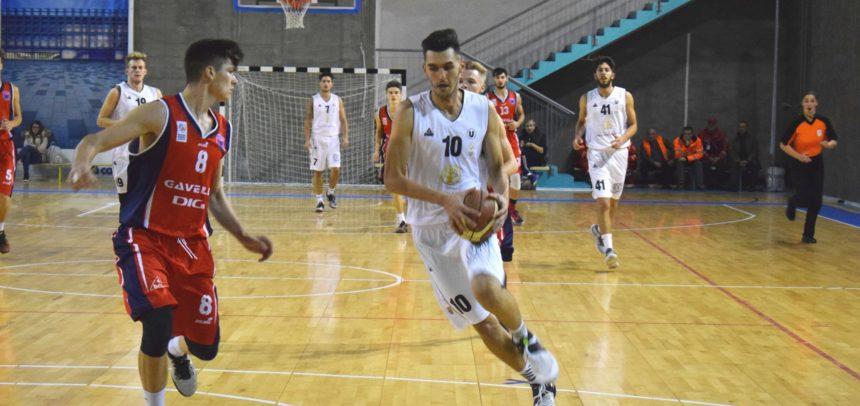 Echipa de baschet masculin s-a impus categoric la Oradea