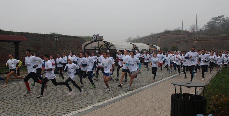 Cinci atleți universitari aleargă la Crosul Unirii