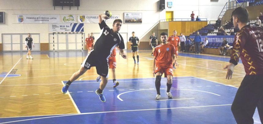 O victorie și o înfrângere la handbal în Sala Sporturilor