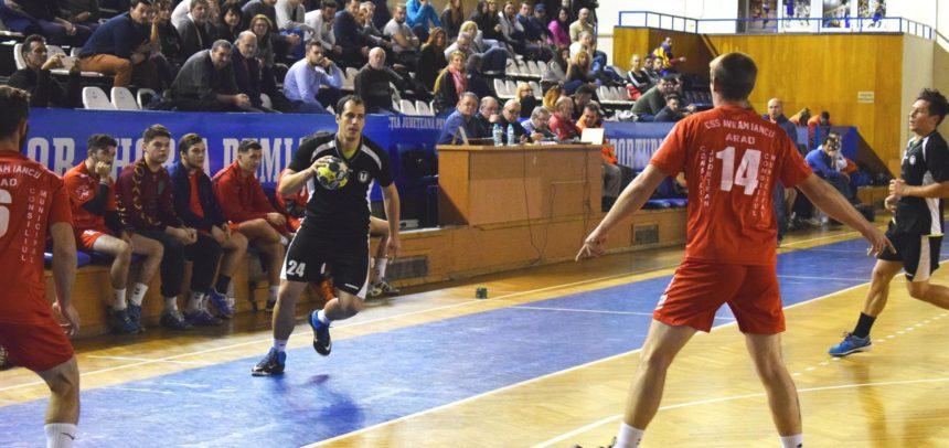 Victorie clară pentru echipa de handbal masculin