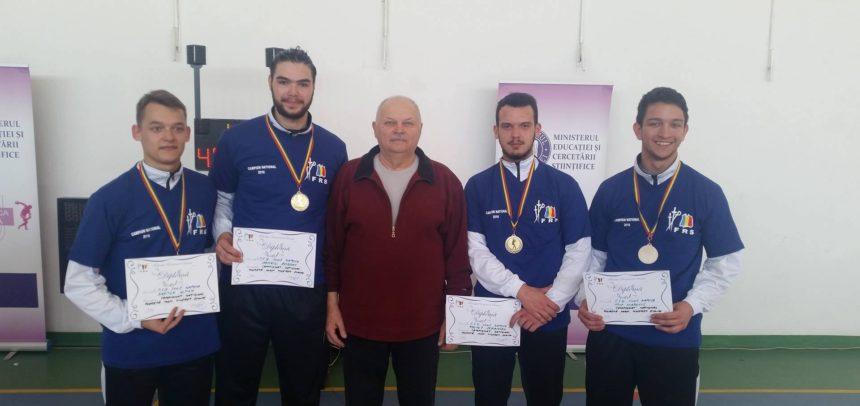 """""""U"""" Cluj participă cu 5 floretiști la Campionatul Național de Tineret"""