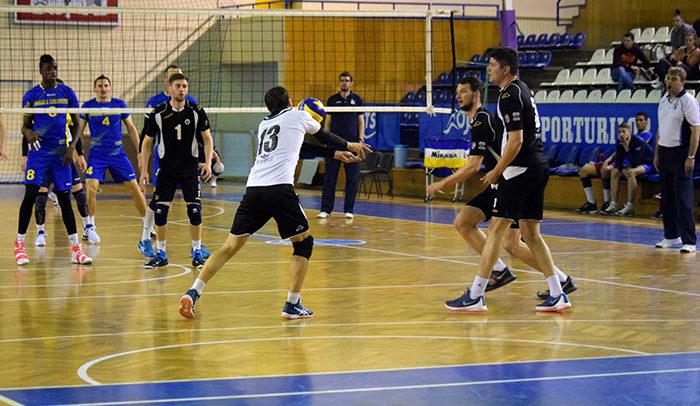 Voleibaliștii, aproape de un punct cu echipa din Caransebeș