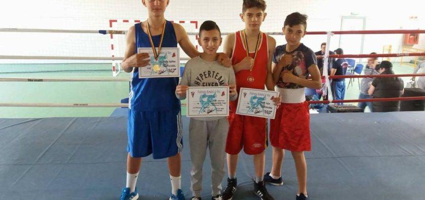 """Două titluri naționale pentru boxerii """"U"""" Cluj"""