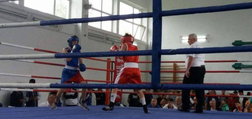 "Cinci boxeri la Memorialul ""Dorin Filip"""