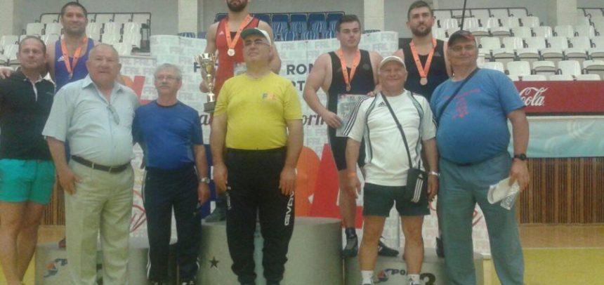 "Aur și bronz la Cupa României pentru luptătorii CS ""U"""