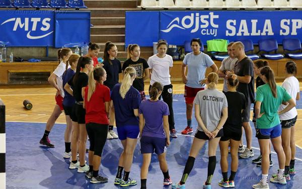 Formația feminină de handbal va intra în cantonament la Cheile Grădiștei