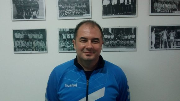 Alin Bondar – antrenorul echipei de handbal feminin