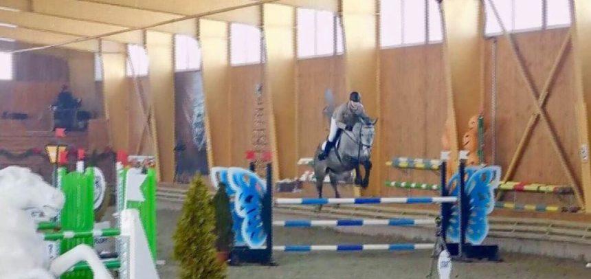 Doi călăreți universitari participă la finala CN de Sală