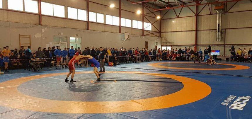 Luptătorii clujeni participă la un turneu în Republica Moldova
