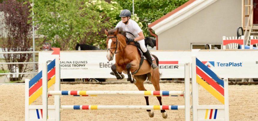 4 sportivi și 10 cai participă la Derby-ul României Concurs Complet