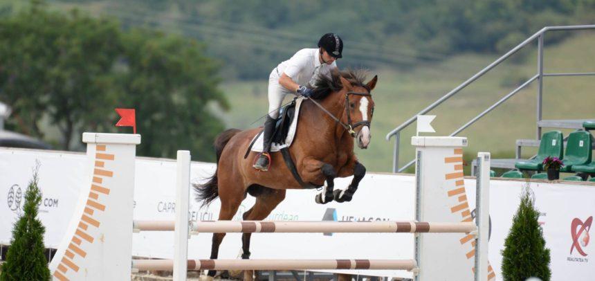 """Secția de echitație CS""""U"""" Cluj participă la Salina Equines Horse Trophy"""