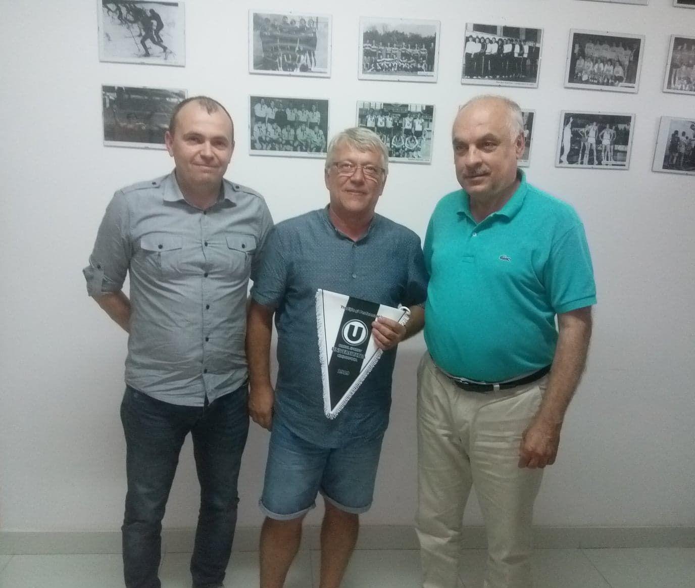 """De la stânga la dreapta: Claudiu Fechete (Președintele secției de Tir Sportiv), Sorin Babii (Președintele FRTS), Ovidiu Vasu (director CS """"U"""" Cluj)"""