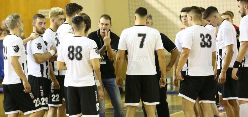 Handbaliștii au cedat în fața campioanei Dinamo