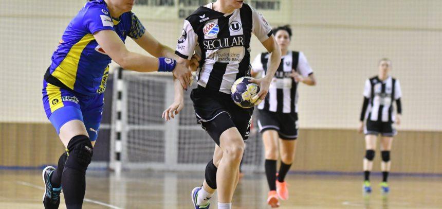 Trei handbaliste universitare sunt convocate la lotul național