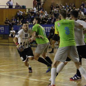 Handbaliștii joacă la Bacău