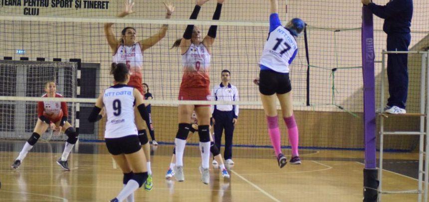 Echipa de volei feminin, meci cu Târgoviște