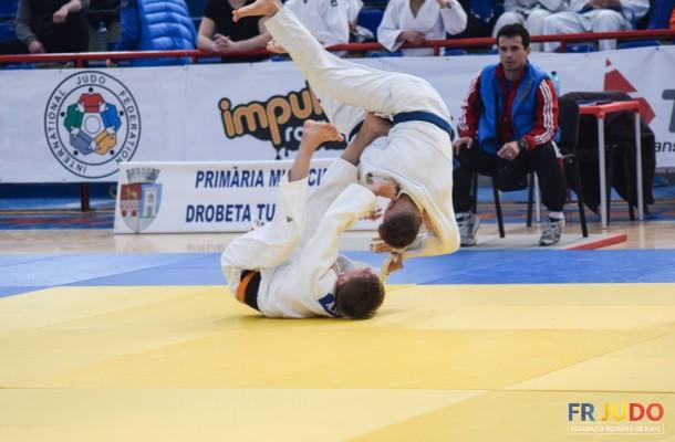 Patru medalii pentru judoka universitari la CN U21