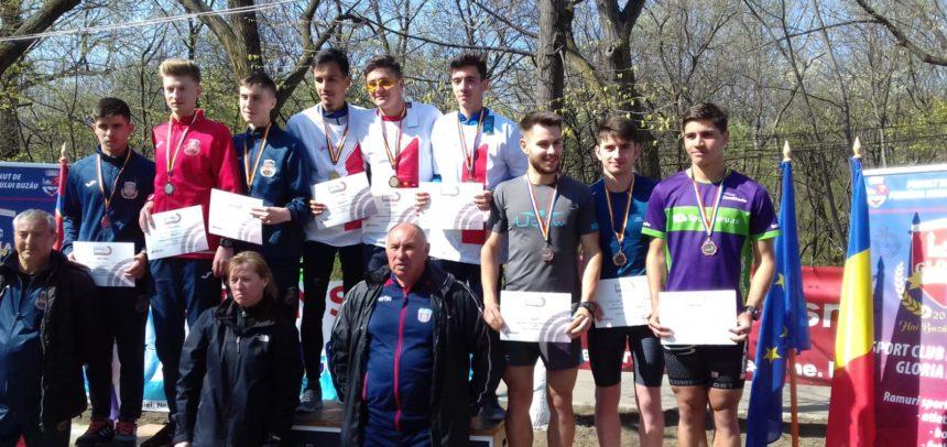 """""""U"""" Cluj, bronz la Semimaraton tineret"""