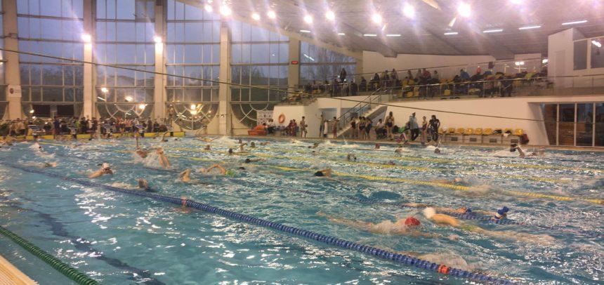 Doi înotători universitari participă la competiția de la Hódmezővásárhely