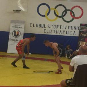 10 luptători participă la finala Campionatului Național