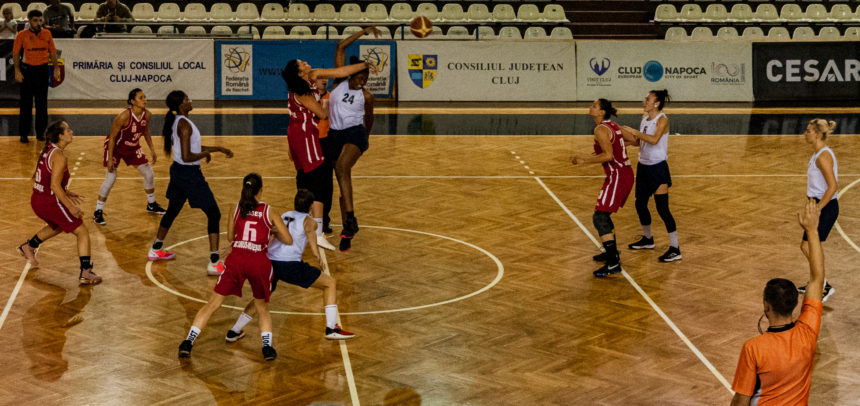 Victorie la Arad pentru baschetbaliste