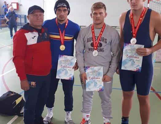 Patru medalii la finala CN Lupte U23