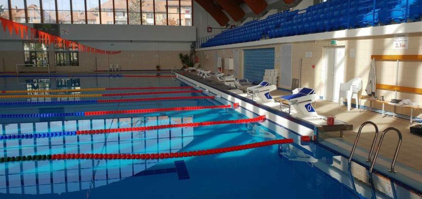 """Șase înotători de la """"U"""" participă la campionatul de la Miercurea Ciuc"""