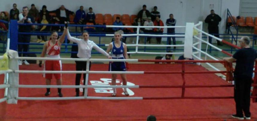 Aura Pop boxează pentru aur la Cupa României