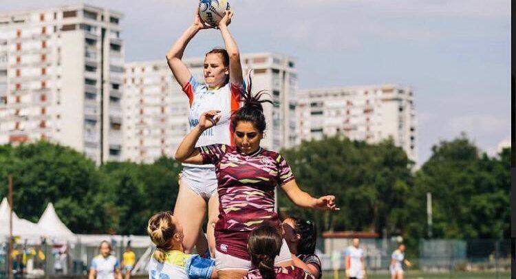 """Fetele de la rugby spun """"prezent"""" la echipa națională"""