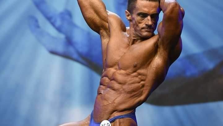 """Tiberiu Horvath își încoardă mușchii la """"Arnold Classic"""""""